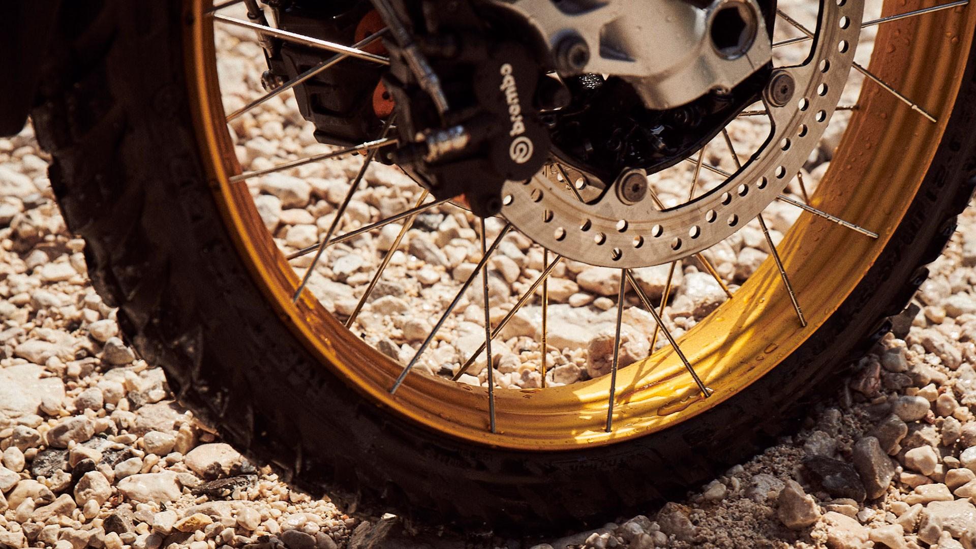 21-дюймове переднє колесо