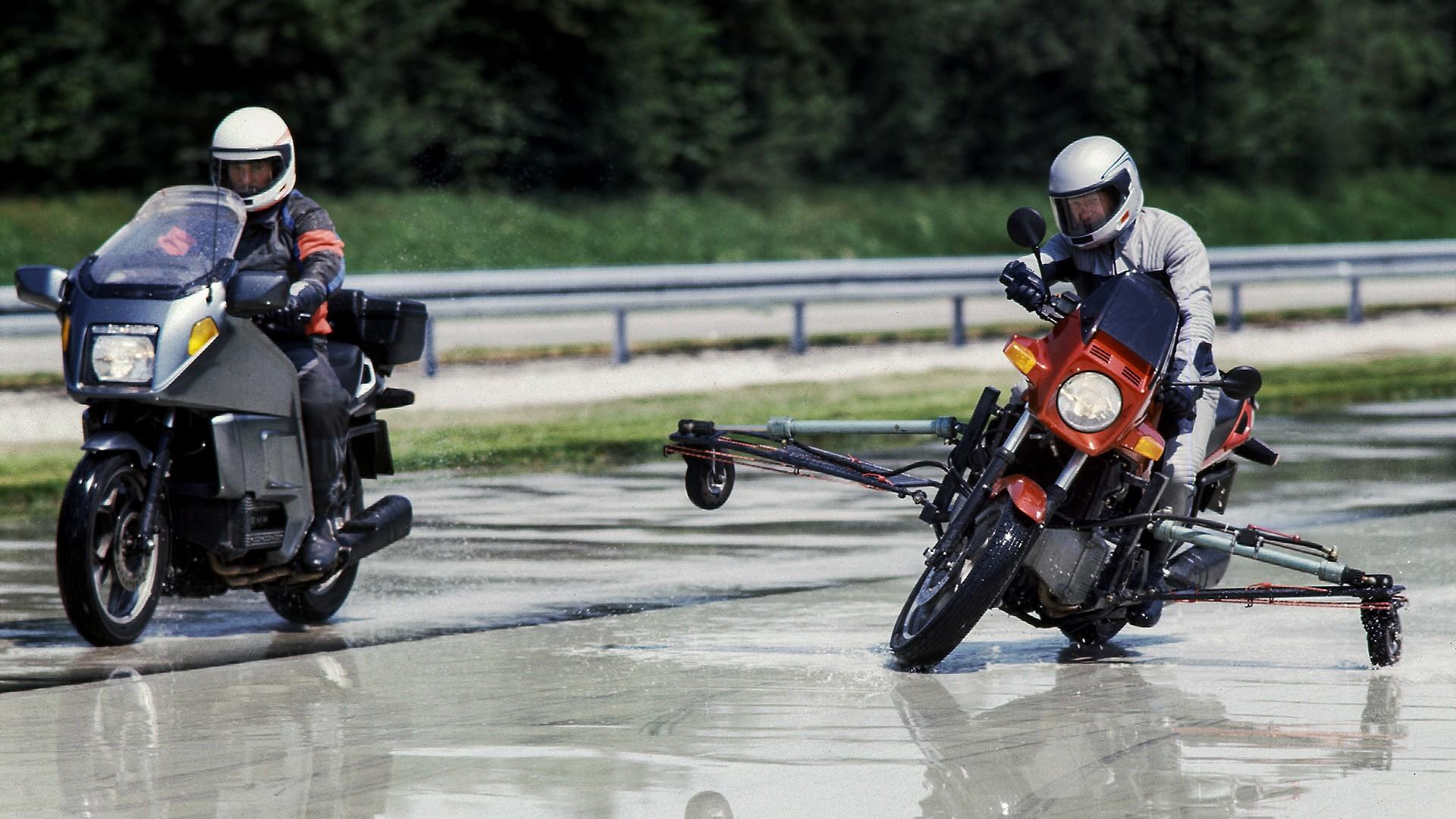 1988 рік - перша система ABS для мотоциклів