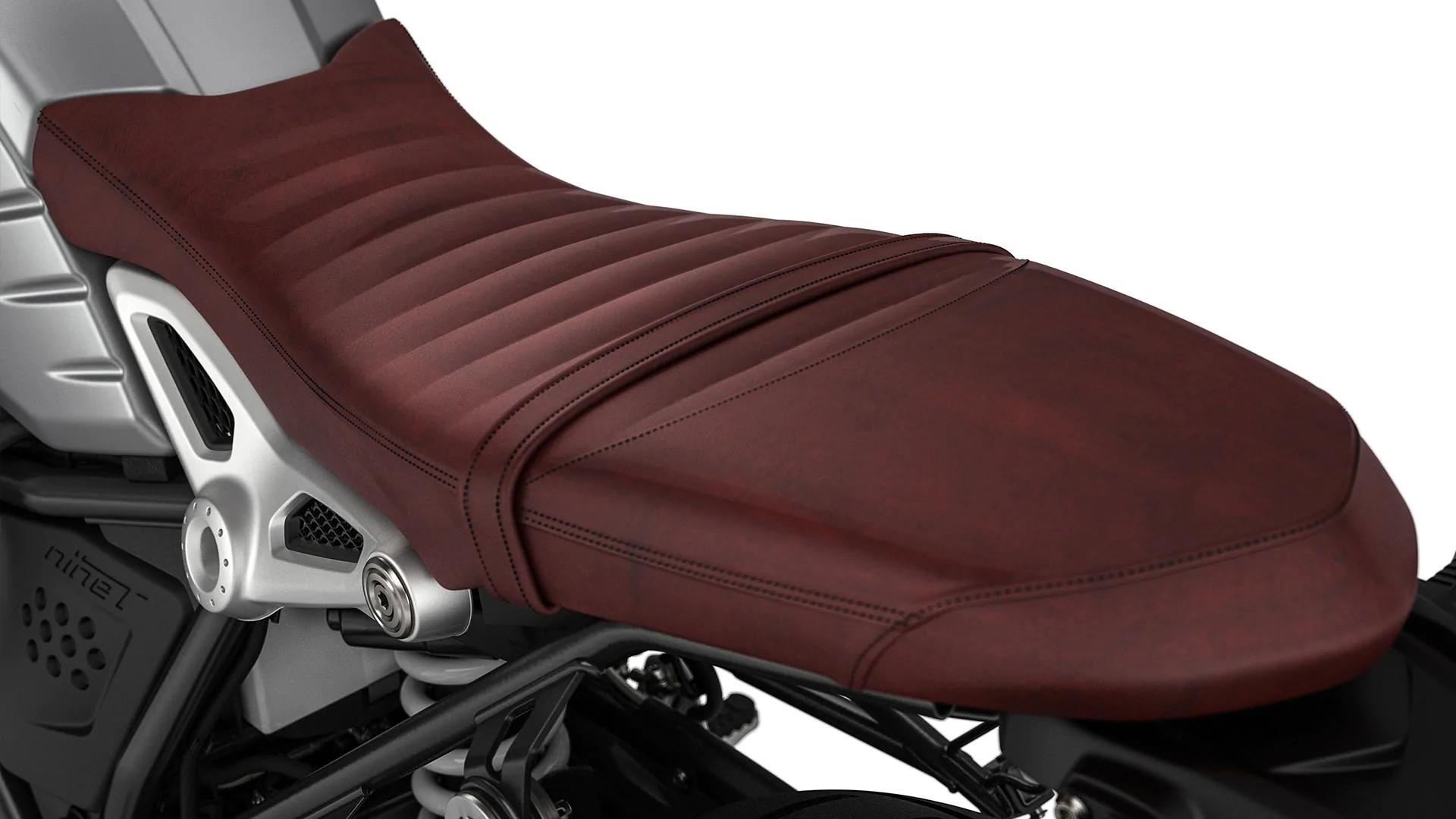 Сидіння з патинованої шкіри